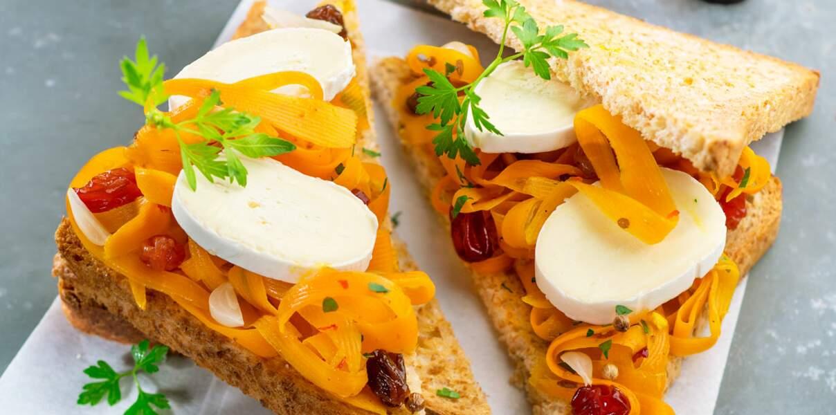 Sandwich oriental aux carottes, raisins et En Cas de Caprice