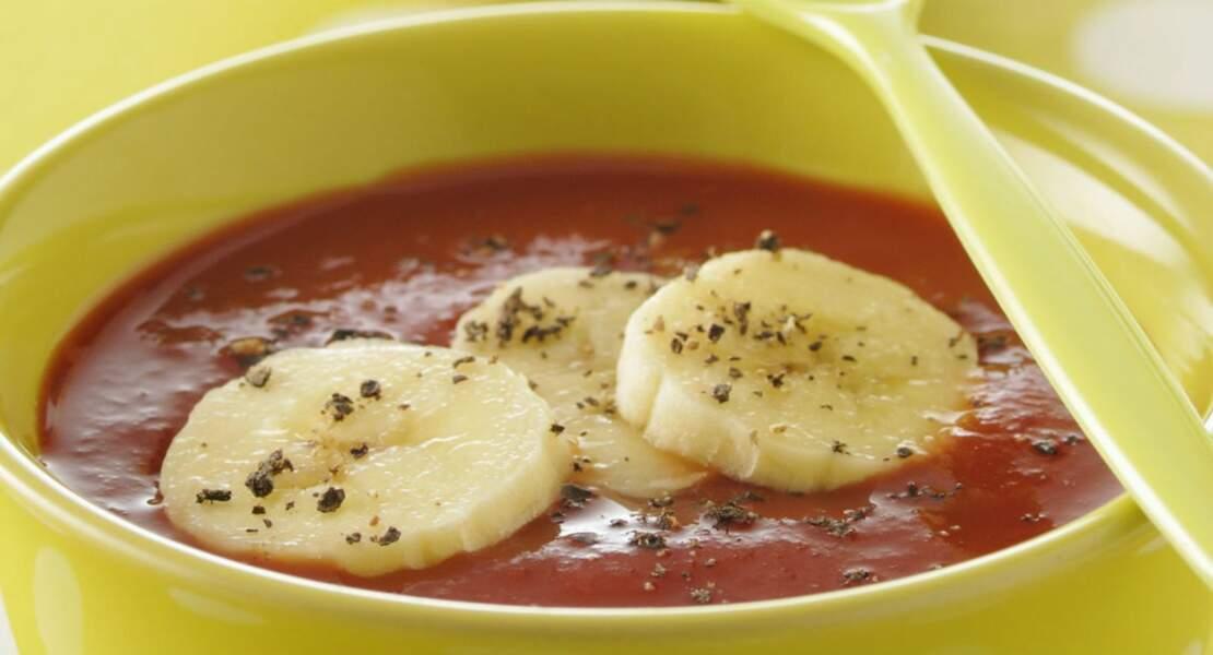 Soupe aux tomates et aux bananes