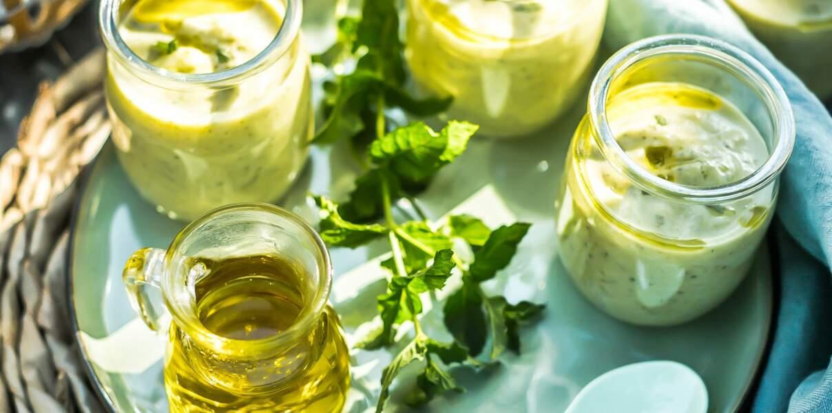 Crème de courgettes, menthe fraîche et pois chiches à l'huile d'olive de la Vallée des Baux-de-Provence AOP