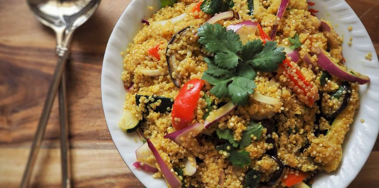 Quinoa aux légumes, compote mangue-curry