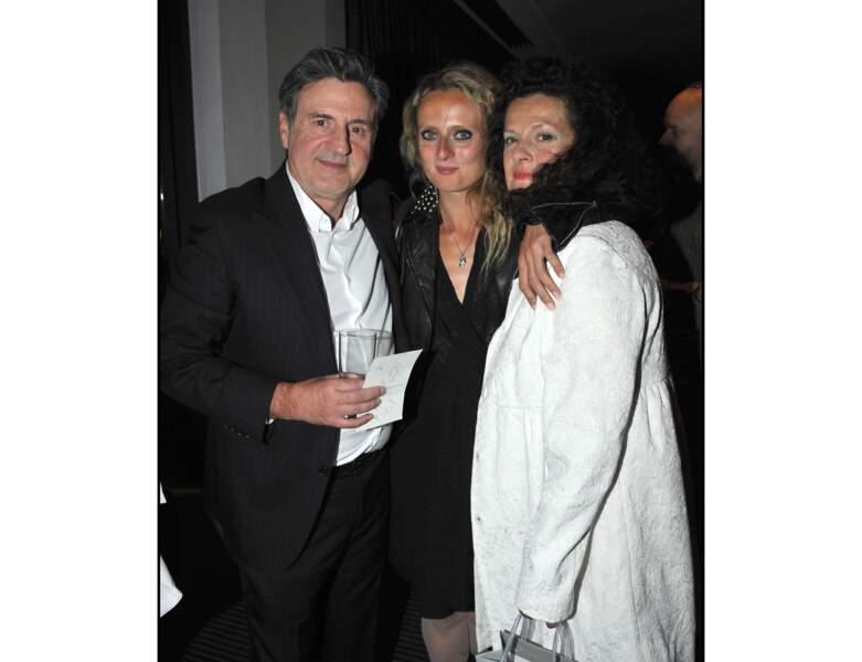 Daniel Auteuil est avec sa fille et la mère de sa fille, Anne Jousset, en 2011