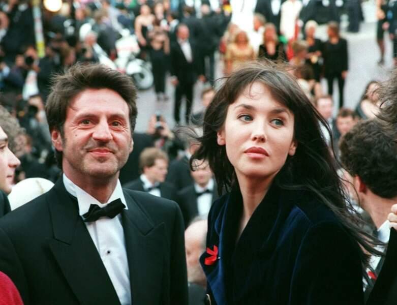 1994 : il est aperçu avec Isabelle Adjani avec laquelle il joue dans La Reine Margot