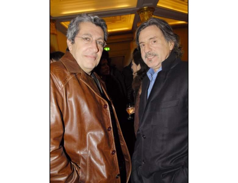 2008, l'acteur de 58 ans pose avec Alain Chabat