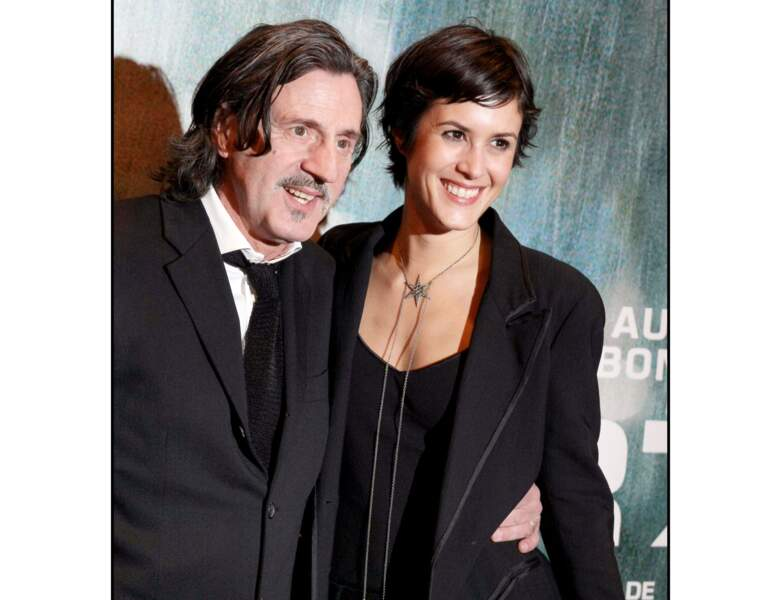 Toujours en 2008, il est aperçu avec l'actrice Olivia Bonamy