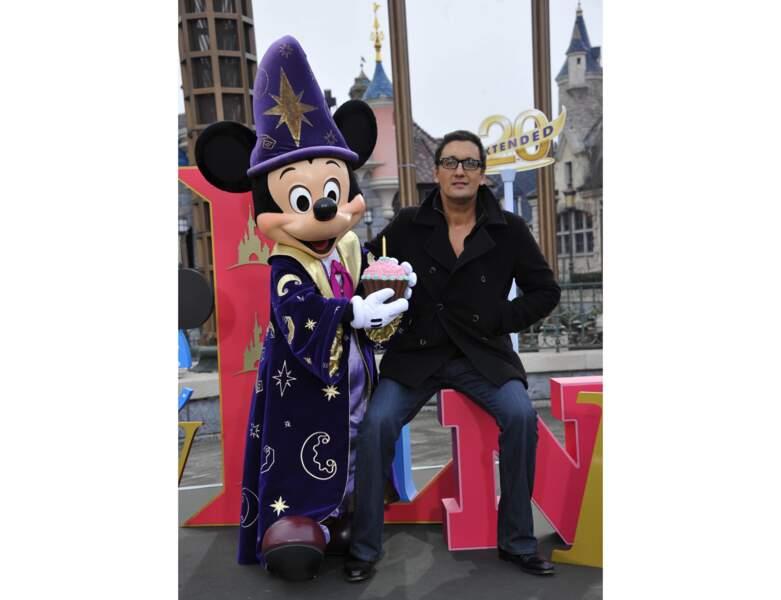 L'année suivante, il est aperçu à Disneyland