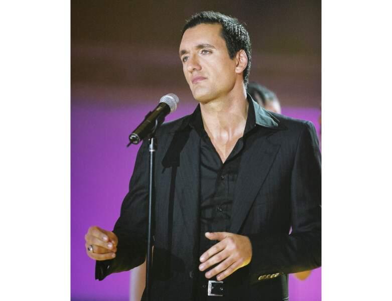 2002 : le chanteur à 37 ans