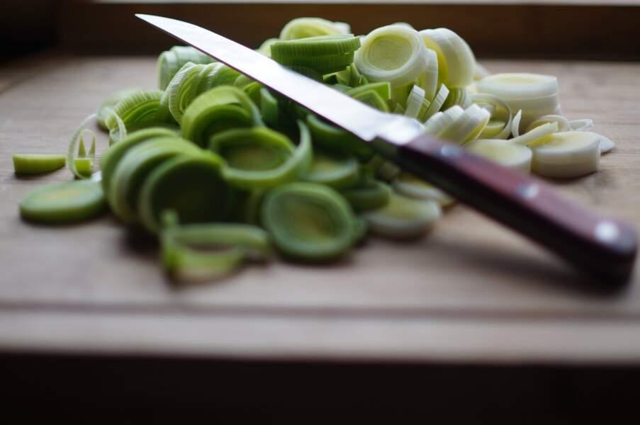 Comment couper et éplucher un poireau ?