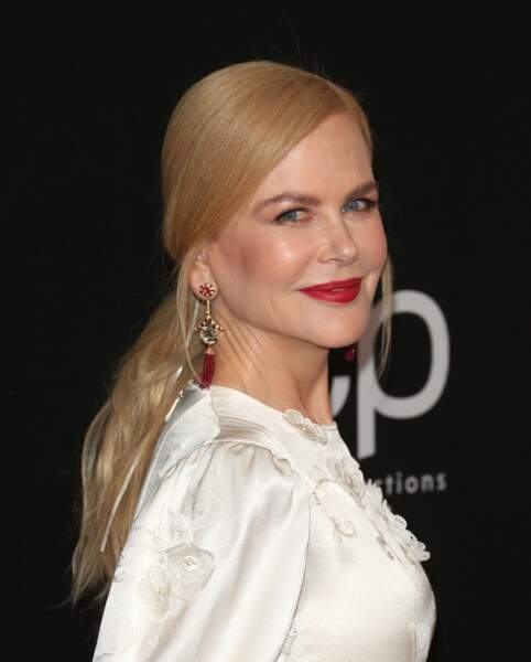 Une queue-de-cheval basse comme Nicole Kidman