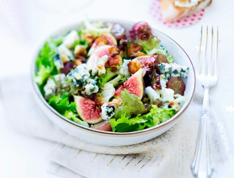 Salade de figue, raisin, roquefort et noix
