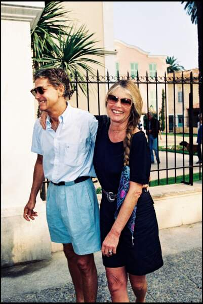 Brigitte Bardot et son mari Bernard d'Ormale en 1992