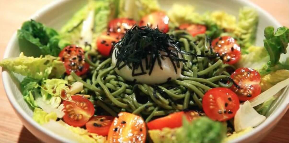 Salade de nouilles soba au thé matcha