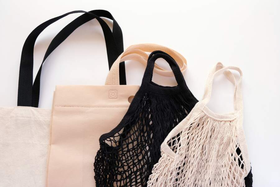 Comment nettoyer les sacs fourre-tout réutilisables pour les courses ?