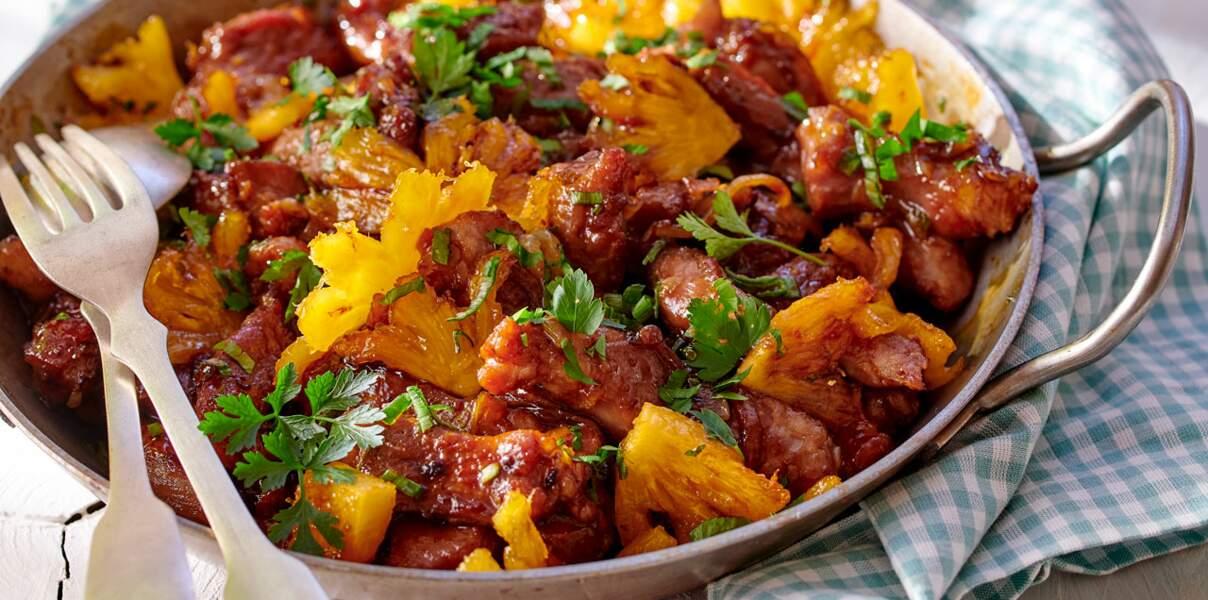 Sauté de porc aux gingembre, ananas frais et chicorée