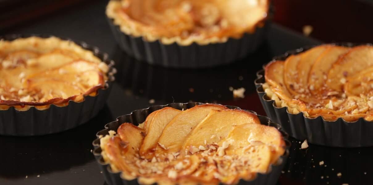 Tartes aux pommes au caramel salé