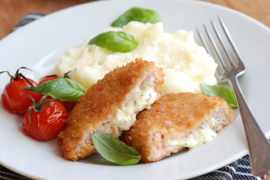 """""""Tous en cuisine"""" : la recette du cordon bleu et écrasée de pommes de terre à l'huile d'olive de Cyril Lignac"""