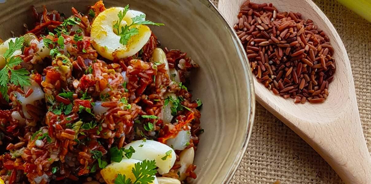 Salade de riz rouge des empereurs et calamars