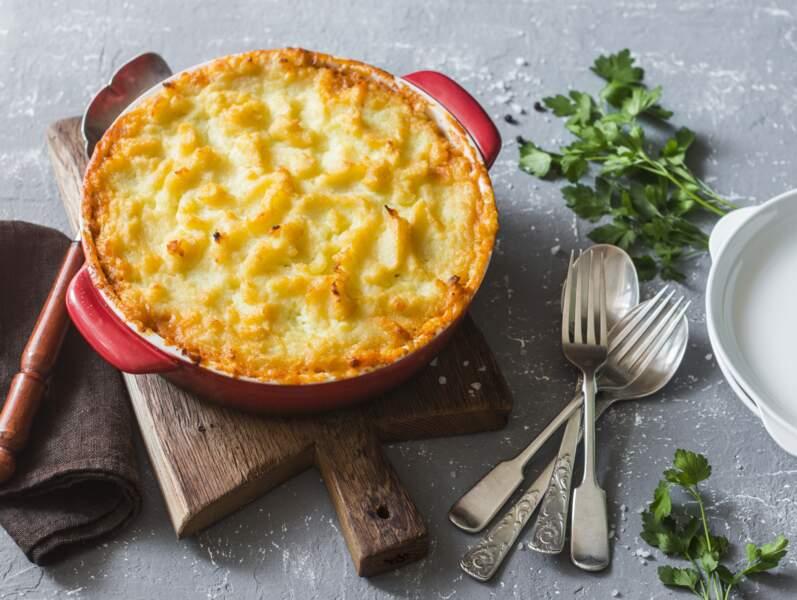 """""""Tous en cuisine"""" : la recette du hachis parmentier de canard, crème au parmesan de Cyril Lignac"""