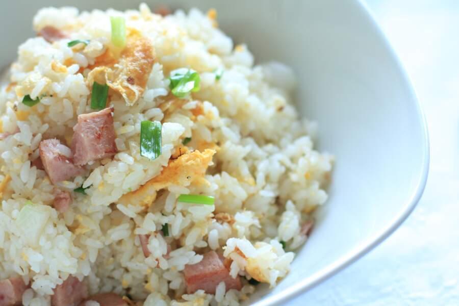 """""""Tous en cuisine"""" : la recette du riz cantonais au jambon de Cyril Lignac"""