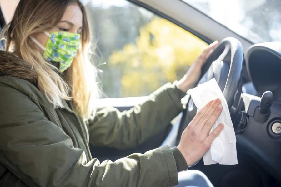 Coronavirus : comment bien nettoyer sa voiture ?
