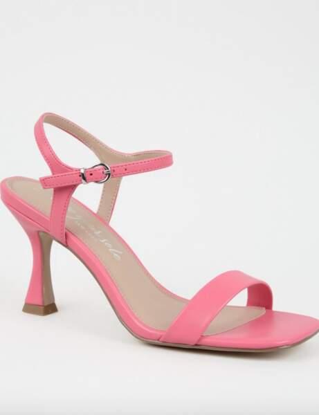 Sandales bout carré : à talons évasés