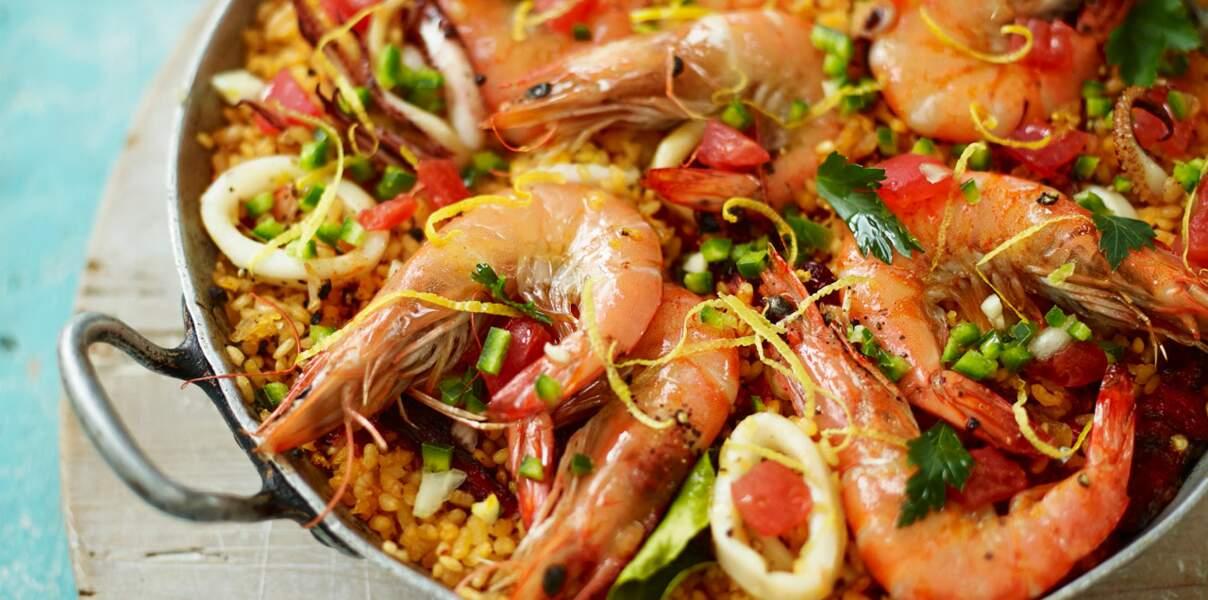 Paella aux fruits de mer et riz safrané