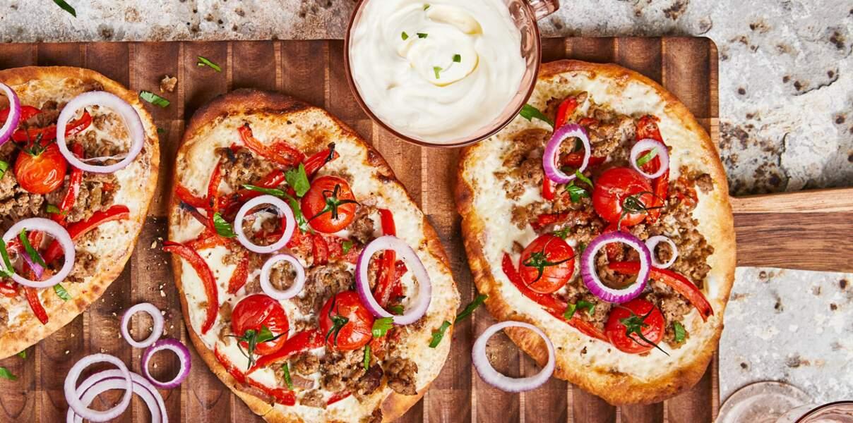 Pizza naan à l'agneau haché