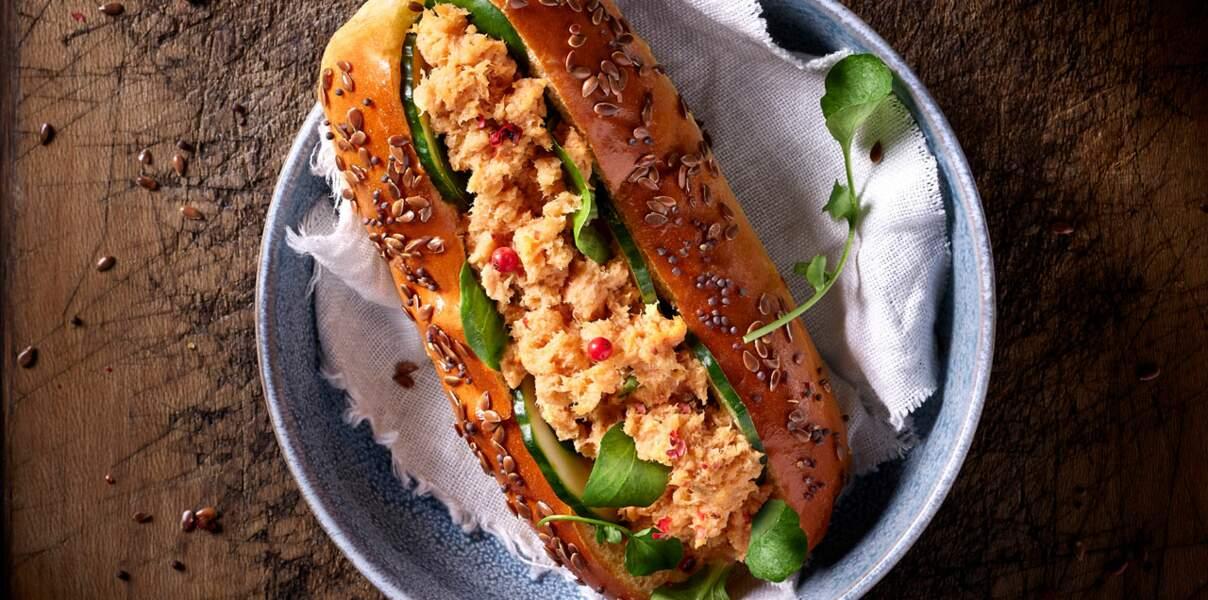 Hot-dog marin aux rillettes de saumon