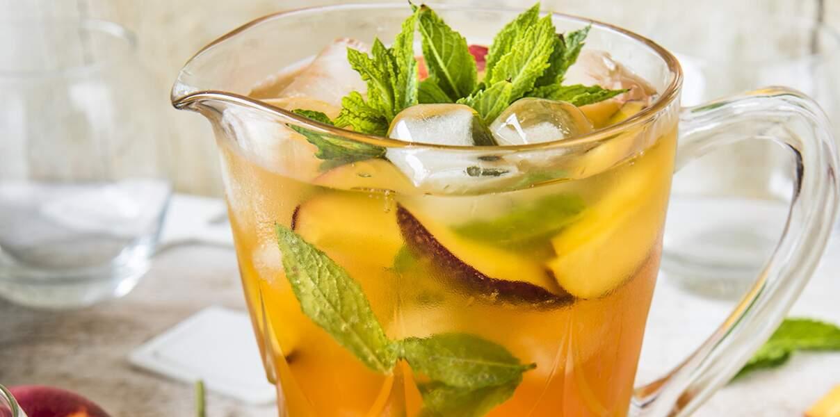 Thé glacé menthe et nectarines