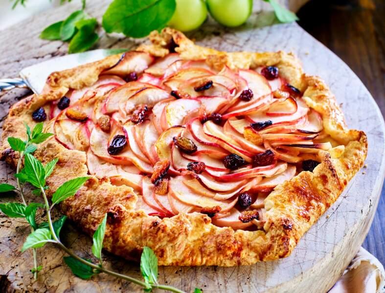 Tarte rustique aux pommes et raisins secs