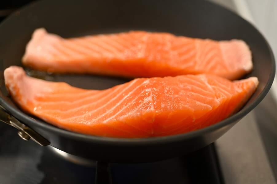 3 erreurs à éviter pour bien cuire son saumon à la poêle