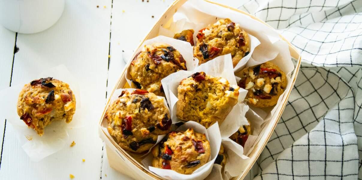 Muffins à la feta, poivrons & oignons rouges rôtis