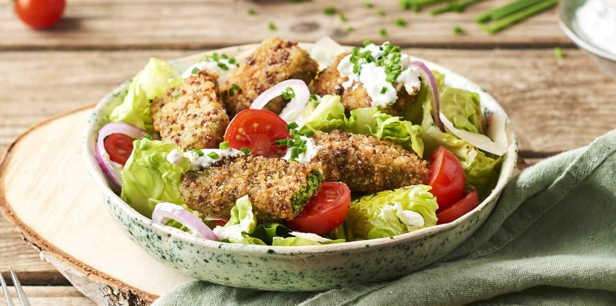 Salade de bâtonnets croustillants d'épinards à la crème façon César