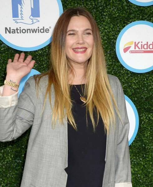 Un tie and dye comme Drew Barrymore