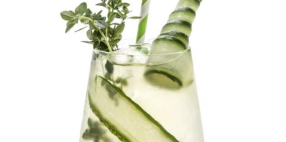 Mocktail de thé, concombre et thym