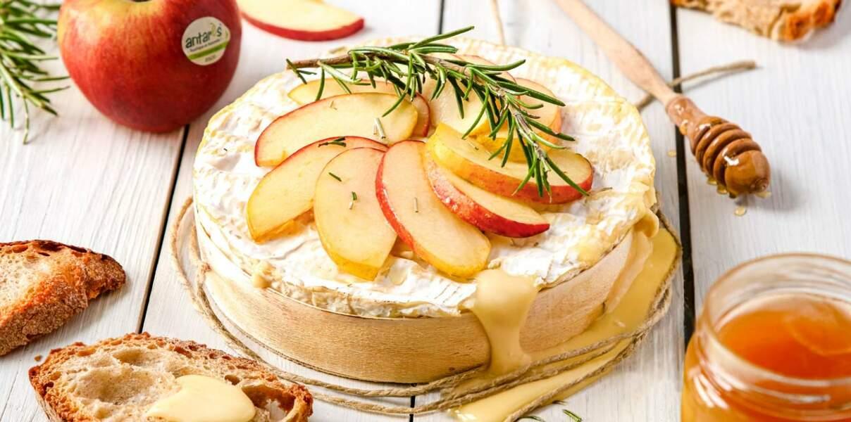 Brie rôti aux pommes Antarès®, miel & romarin