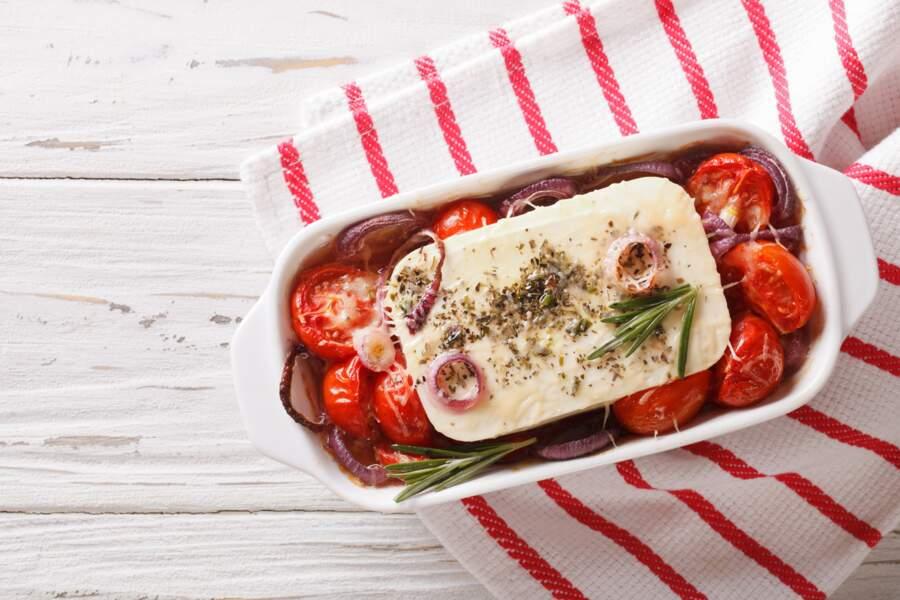 Baked feta pasta : la recette des pâtes à la feta rôtie qui fait fureur