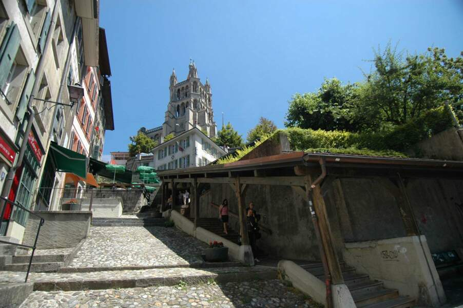 La cathédrale de Lausanne et les escaliers du marché