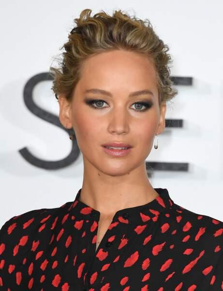 Le smoky-eye fumé de Jennifer Lawrence