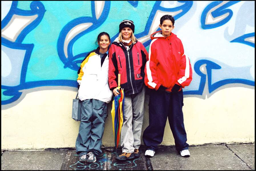 Cecilia Rhode avec ses enfants, Joakim et Yelena Noah
