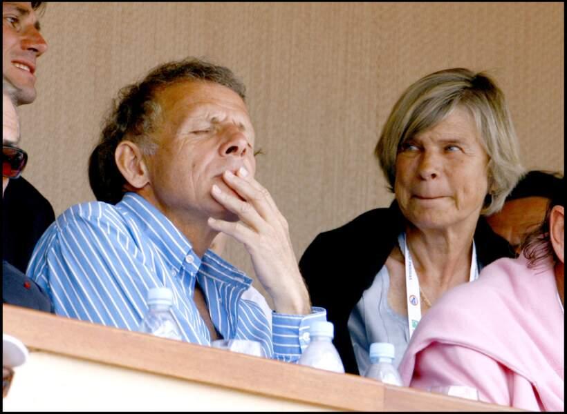 Patrick Poivre d'Arvor et Véronique Courcoux finissent par se marier en avril 1971.