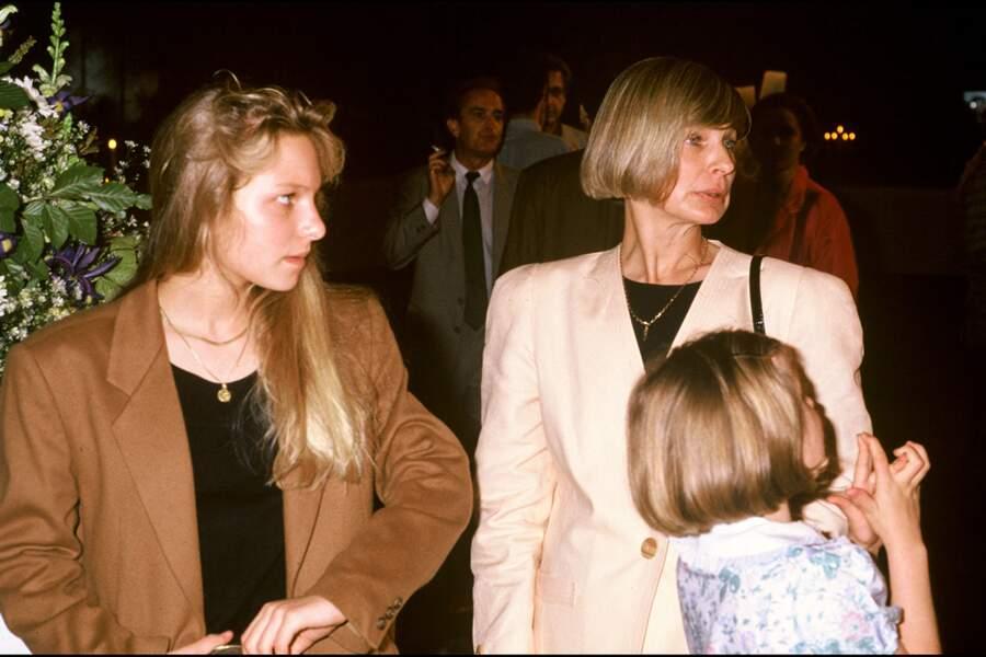 Des drames sans commune mesure comme la douloureuse perte de trois de leurs enfants, dont Solenn (à gauche sur la photo) qui s'est suicidée, en 1995, à l'âge de 19 ans.