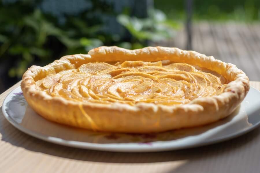 La recette simple de tarte aux pommes rustique de Christophe Michalak