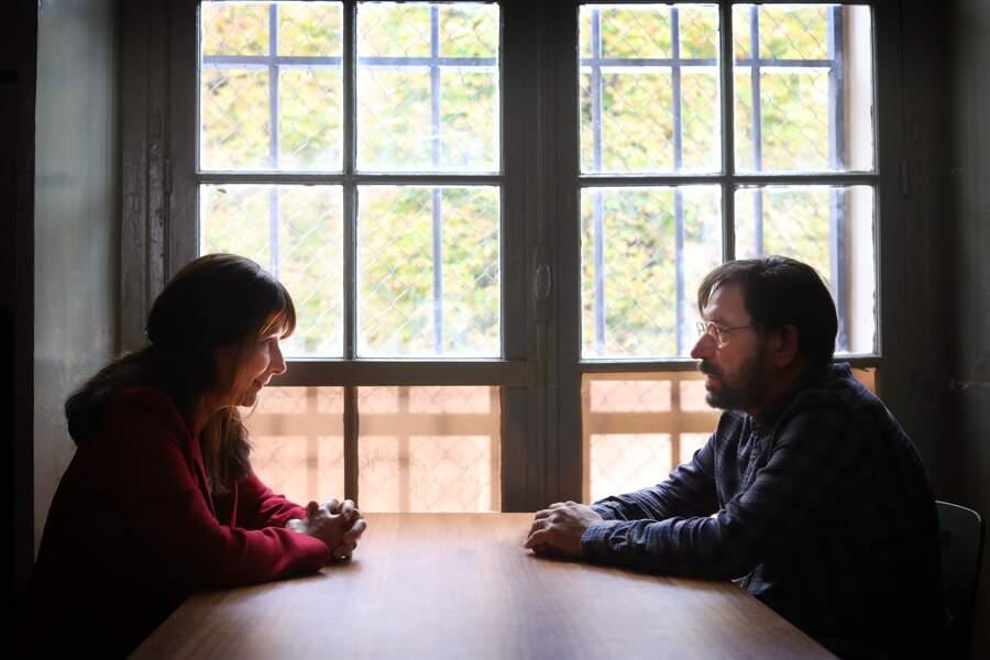 Le téléfilm retrace l'affaire du couple Michel et Monique Fourniret, au tout début de l'arrestation du tueur en série.