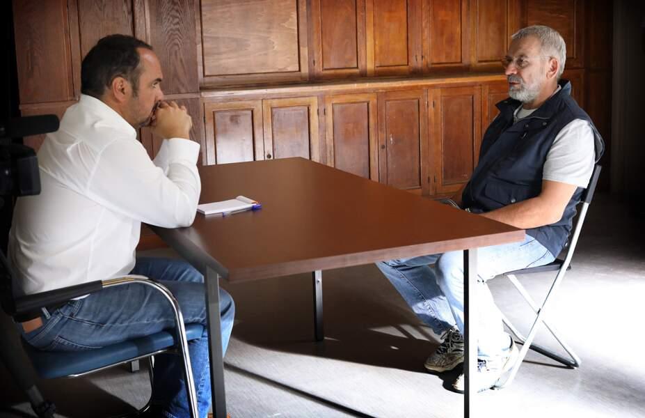 """""""La traque"""" revient sur le début de l'affaire lorsque, le 26 juin 2003, Michel Fourniret est arrêté pour tentative d'enlèvement sur mineure."""