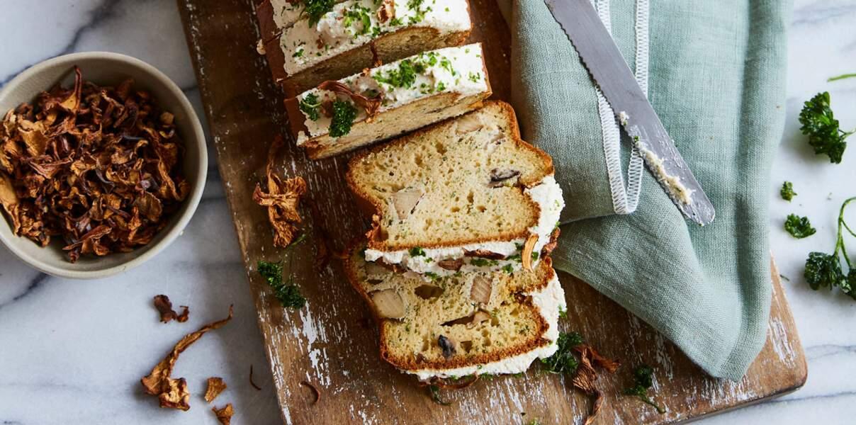 Cake aux champignons, tofu fumé et sauce soja