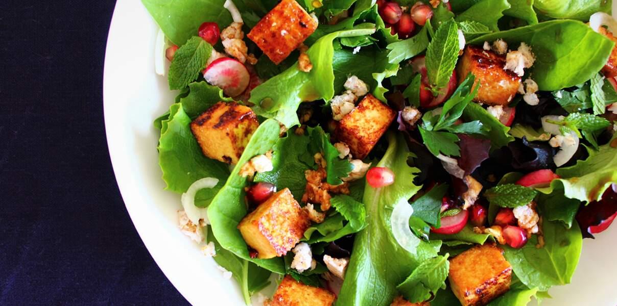 Salade de jeunes pousses au tofu grillé