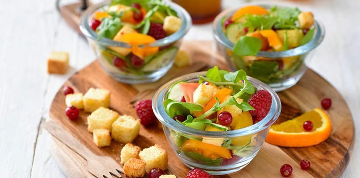 Salade de printemps aux fruits rouges et sa vinaigrette aux cerises amarena