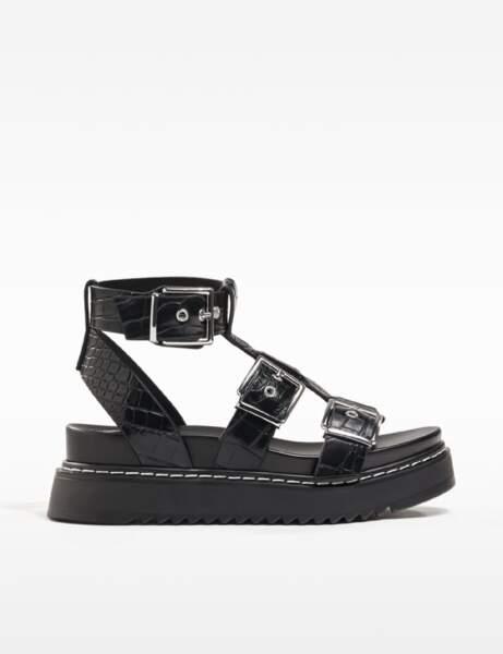 Chaussures tendance : les sandales à semelle XXL