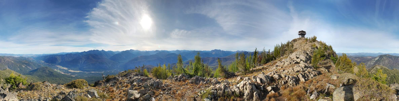 Le Goat Rocks Wilderness depuis la chaîne des Cascades