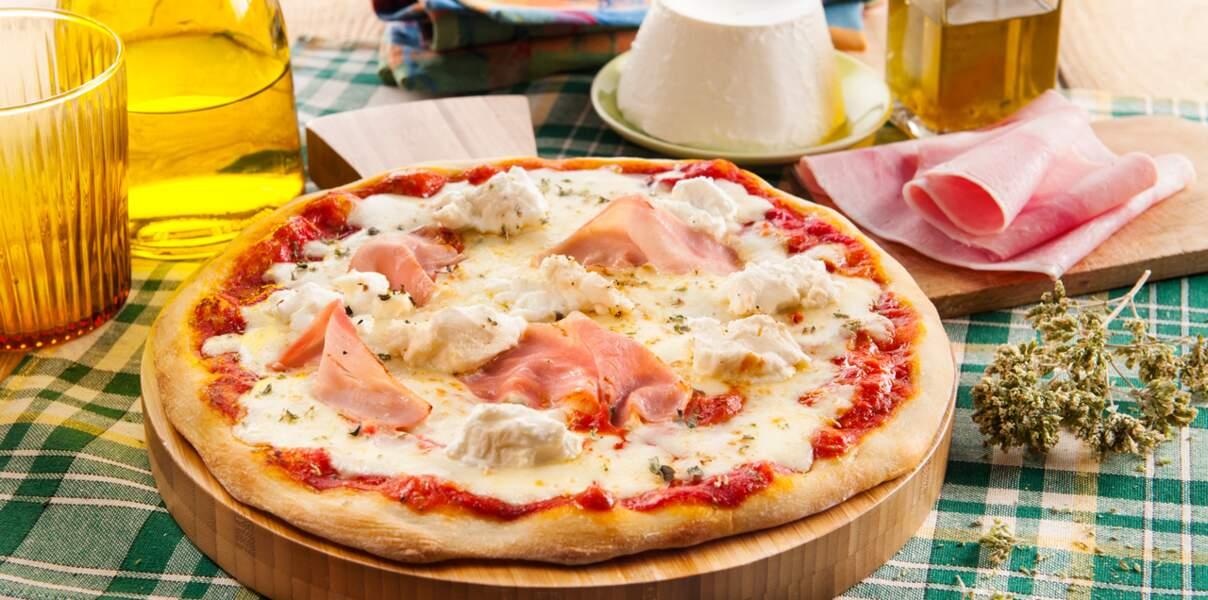 Pizza à la mozzarella, ricotta et jambon